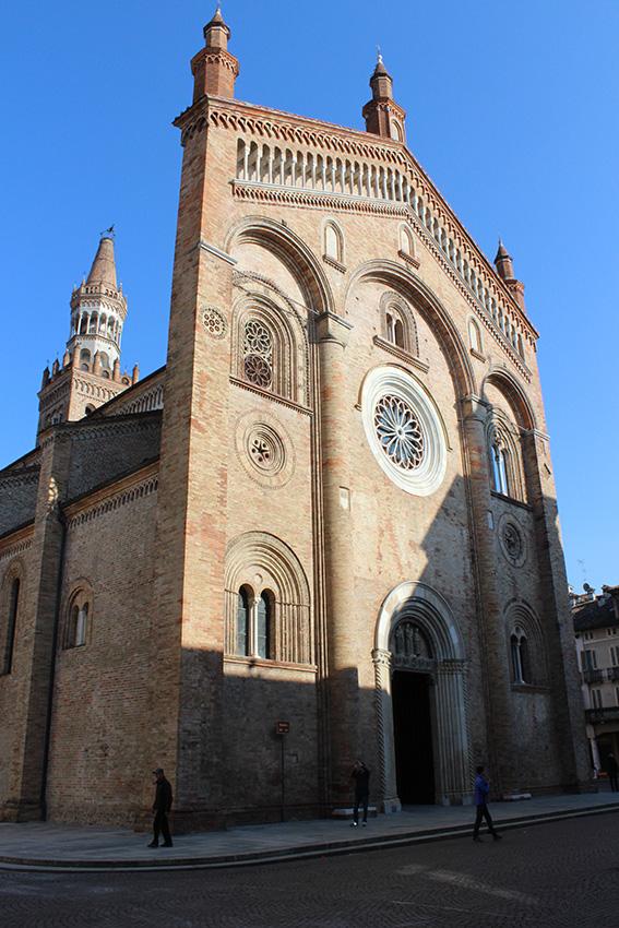 b Duomo di Crema