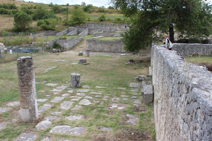 Alba Fucens, i resti del santuario di Ercole