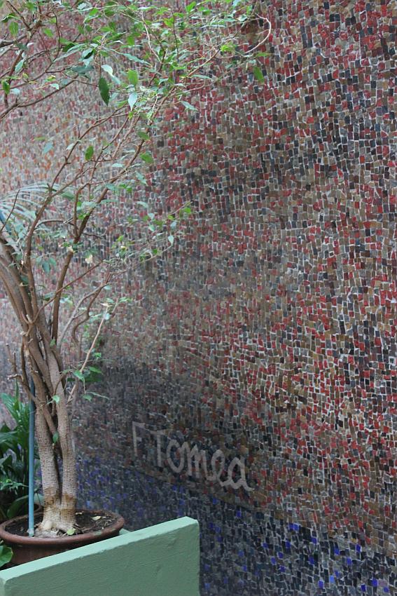 Chiesa Santa Barbara, mosaico di Tomea, particolare