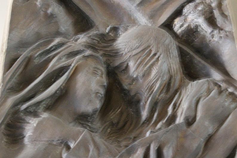 Chiesa di Santa Barbara, dettaglio della Via Crucis di Pericle Fazzini