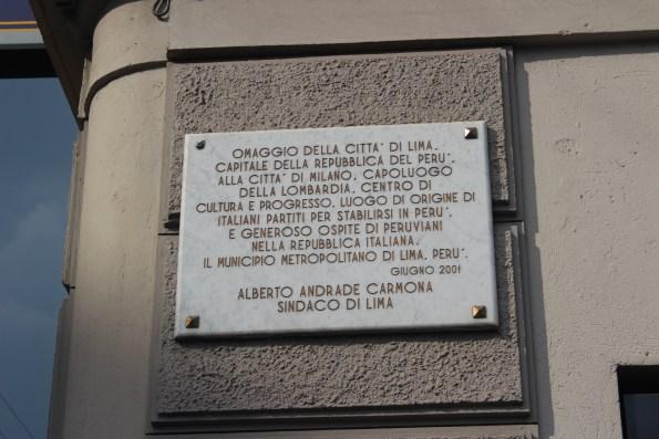 targa esposta in Piazza Lima a Milano