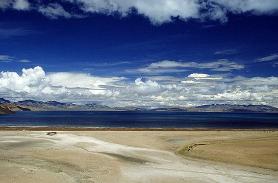 Veduta del lago Manasarovar
