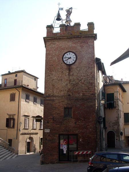Montepulciano Torre del Pulcinella - CC BY-SA 3.0