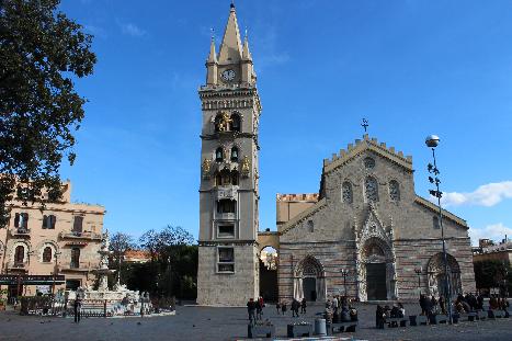 Messina, una storia travagliata e un sorprendente campanile