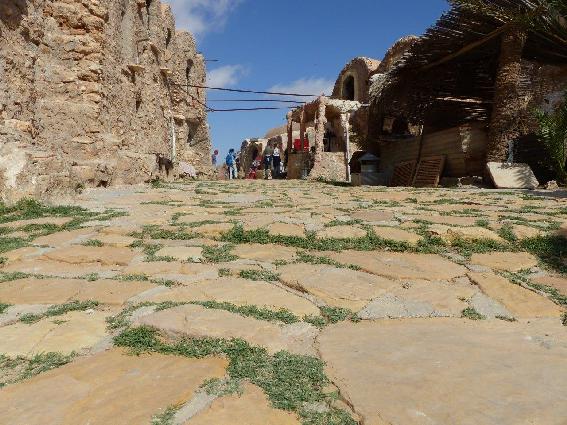 Lastricato della strade di Ksar Hadada