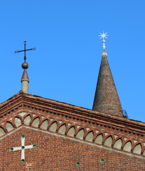 Sant'Eustorgio - Il campanile con la stella