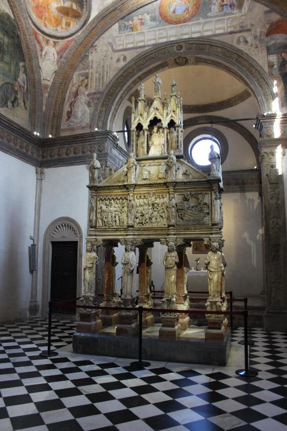 Sant'Eustorgio - L'Arca nella Cappella Portinari
