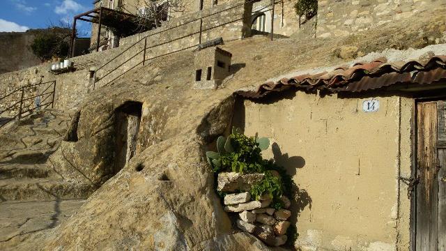 Foto 12 - case del borgo rupestre oggi cantine 20171209_150744