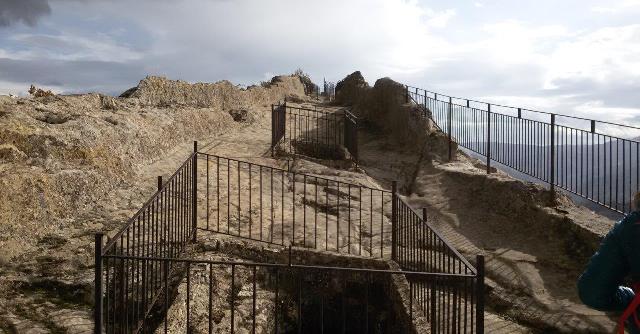 Sperlinga, scavata nella roccia