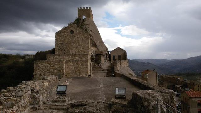 Foto 9-Parte sommitale del castello 20171209_122255