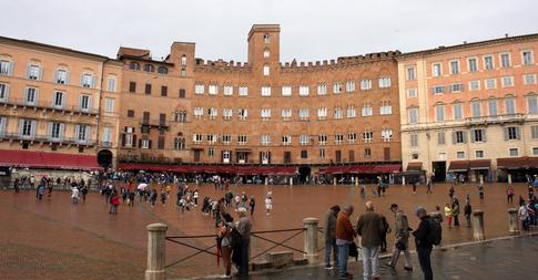 Piazza del Campo, Siena - Dellumanoerrare