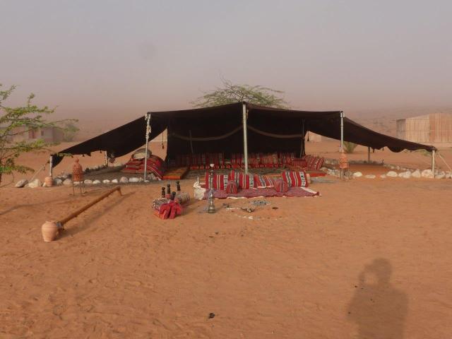 Tenda per relax nel campment del deserto P1130213